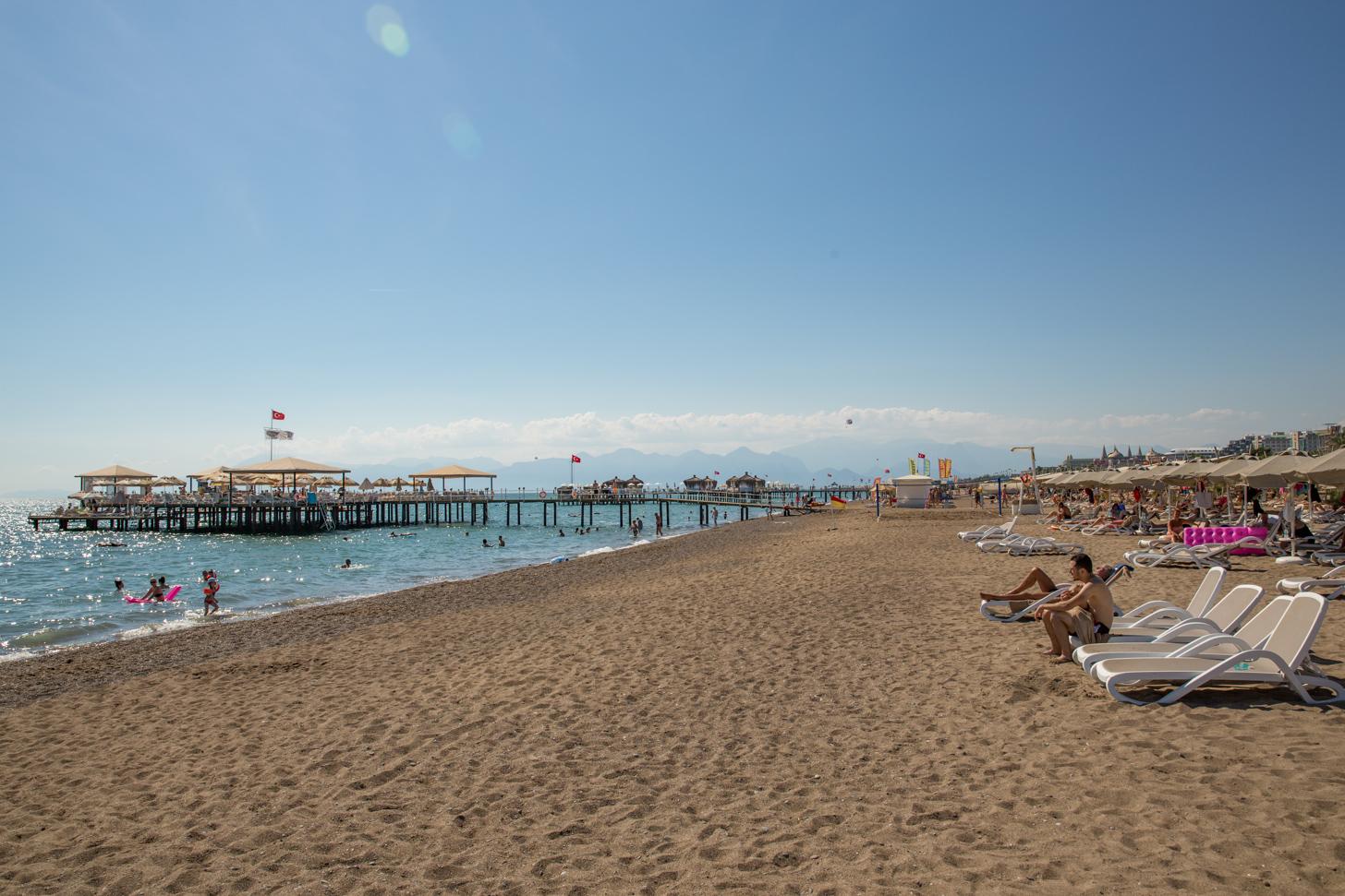het strand van Lara